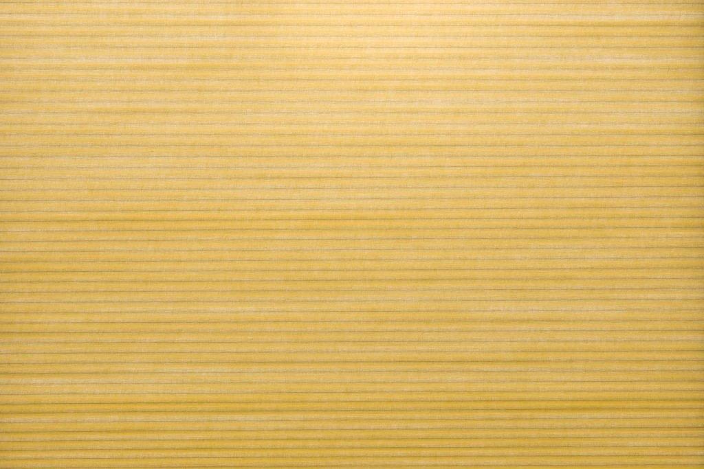 Duette® tekstilet Elan 294077-4010-5 - Bildet er tatt med lys i bakgrunnen (dag).