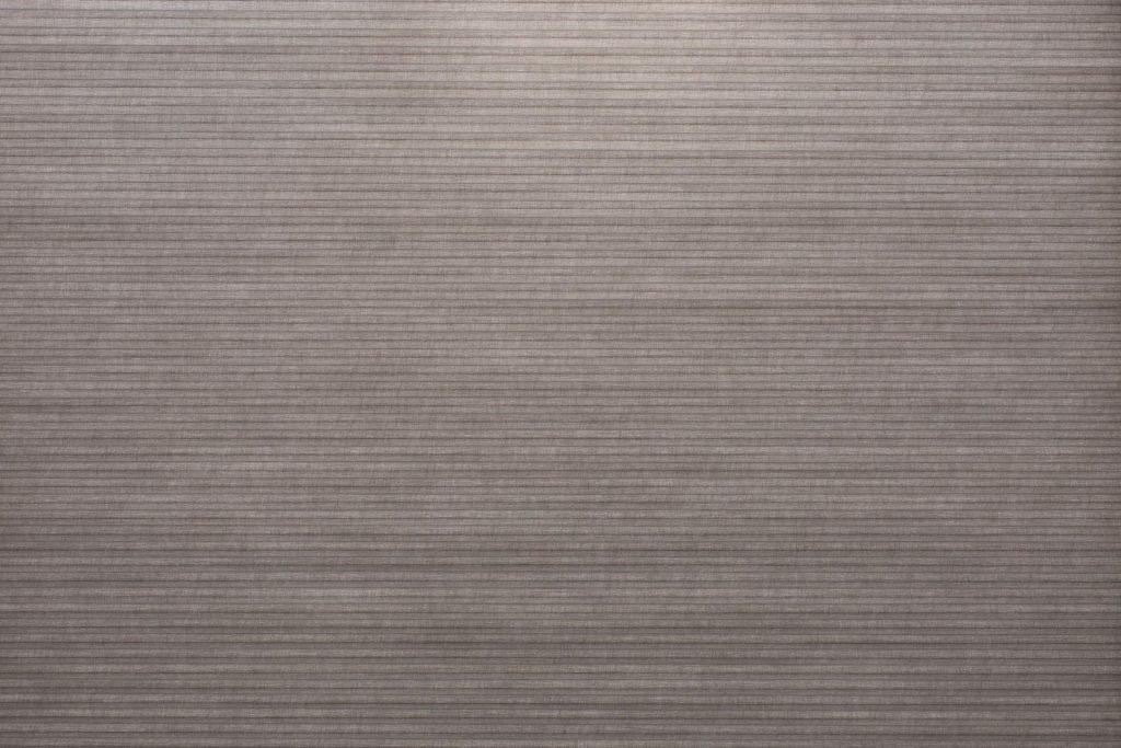 Duette® tekstilet Elan 294077-7032-5 - Bildet er tatt med lys i bakgrunnen (dag).