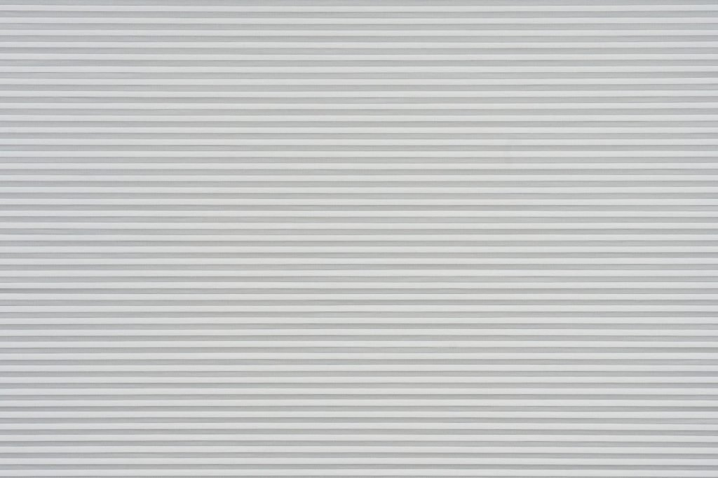 Duette® serien Hopsack 294603-0201-4. Bildet er tatt med lys forfra. Tekstilet er lystett.