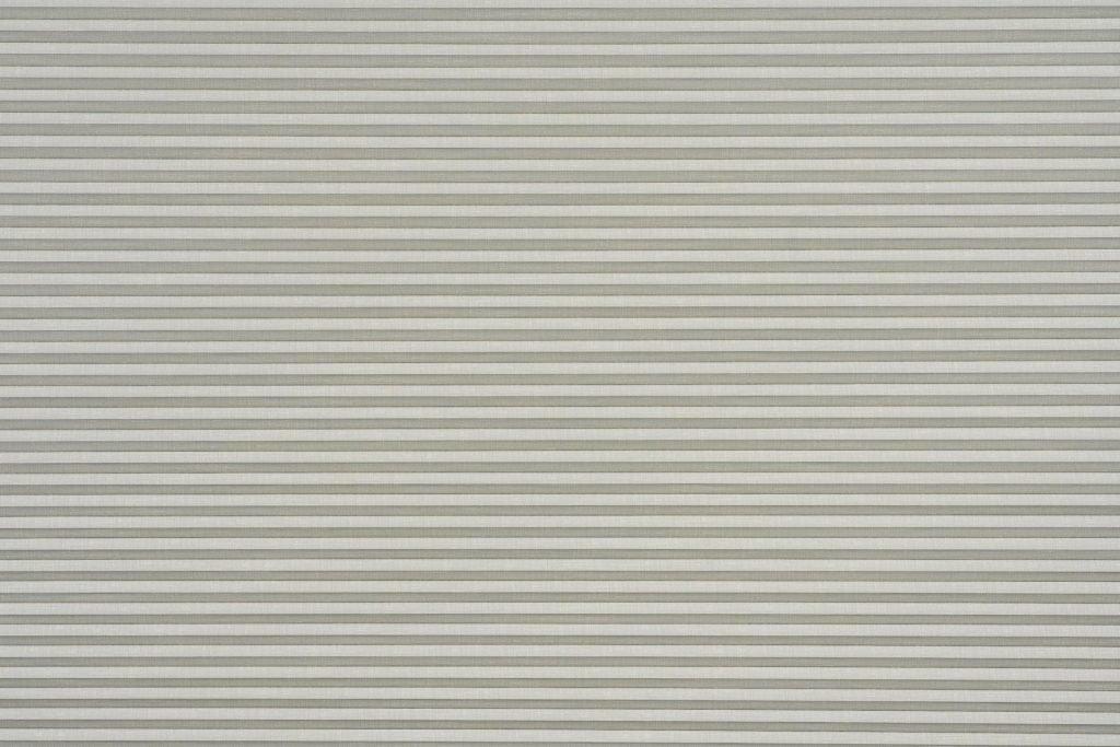 Duette® serien Linum 32mm Blackout 294637-0633-5. Bildet er tatt med lys forfra. Tekstilet er lystett.
