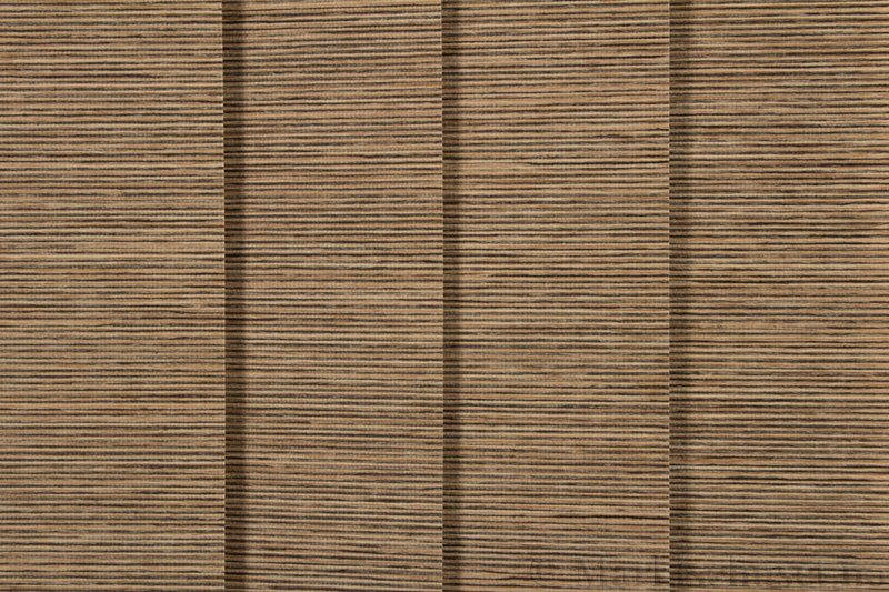 Lamellgardin tekstil serien Ontario 250505-5310 farge Mørk Strå. Bildet er tatt med lys forfra.