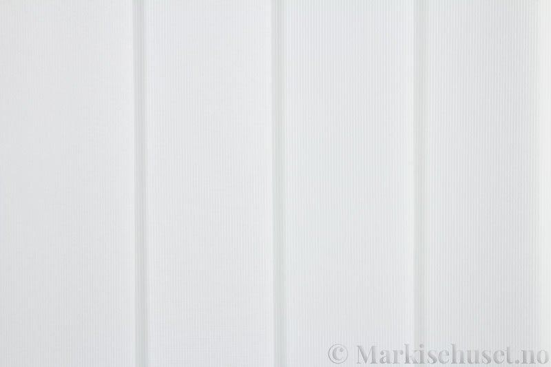 Lamellgardin tekstil serien GreenScreen ECO 250965-0204 Eggehvit farge. Bildet er tatt med lys forfra.