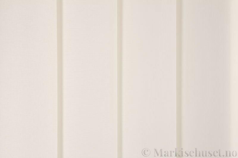 Lamellgardin tekstil serien GreenScreen ECO 250965-0750 Linfarget. Bildet er tatt med lys forfra.