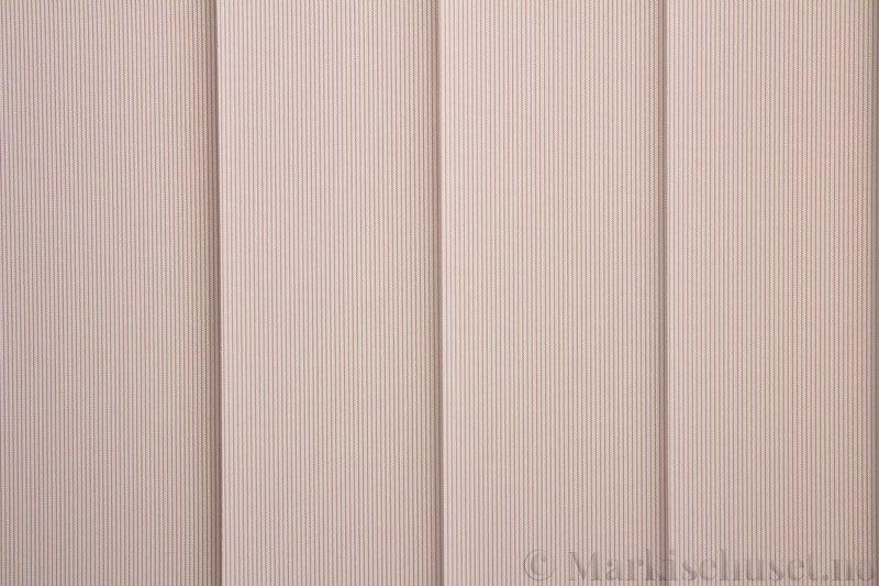 Lamellgardin tekstil serien GreenScreen ECO 250965-4748 Lys Beige farge. Bildet er tatt med lys bakfra.