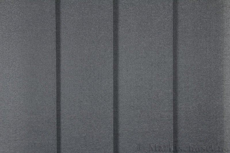 Lamellgardin tekstil serien Opal FR 251235-1604 farge Grå. Bildet er tatt med lys forfra.