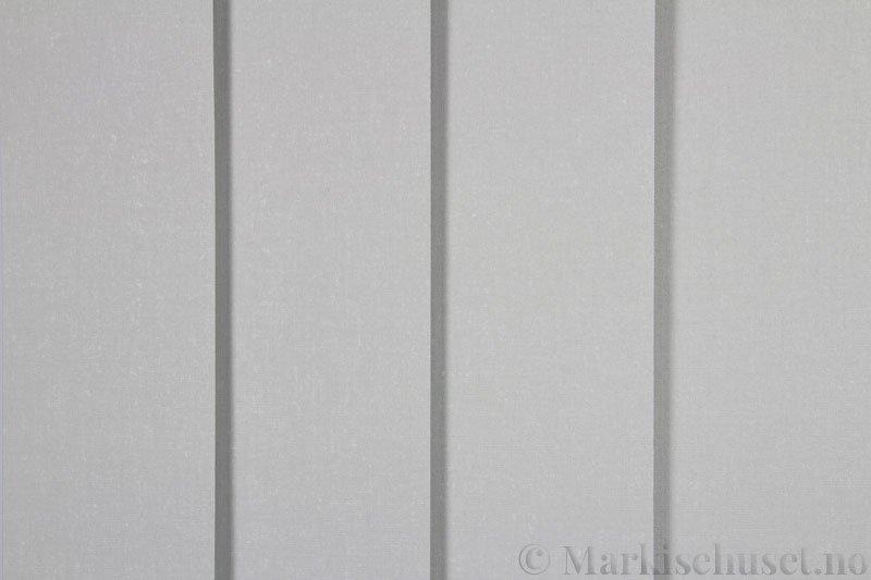 Lamellgardin tekstil serien Oscura Color 251285-0952 farge Lysegrå. Bildet er tatt med lys forfra.