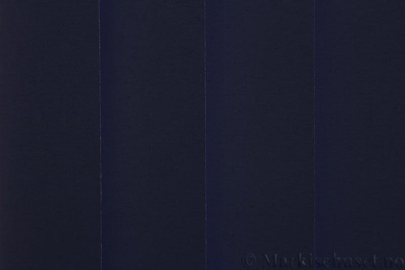 Lamellgardin tekstil serien Oscura Color 251285-2670 farge Blå. Bildet er tatt med lys bakfra.