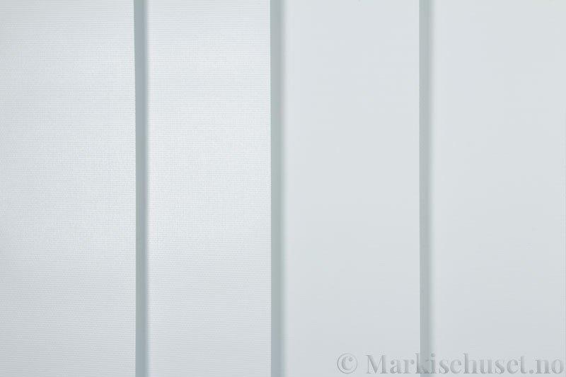 Lamellgardin tekstil serien Midnight BO FR 251405-0204 farge Eggehvit. Bildet er tatt med lys forfra.