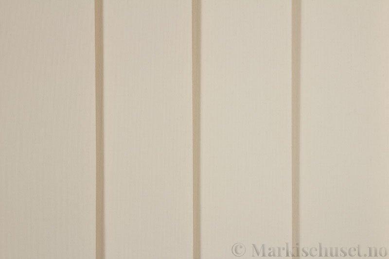 Lamellgardin tekstil serien Lumina 251625-4503 farge Lys Beige. Bildet er tatt med lys forfra.