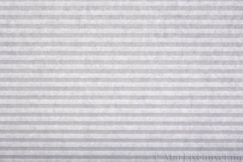 Plisségardin tekstil serien Trends 290260-0001 Snøvhit farge. Bildet er tatt med lys forfra.