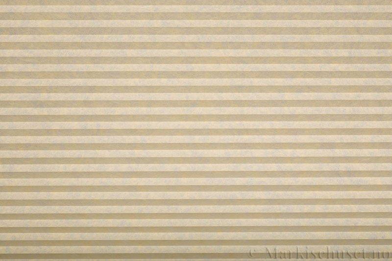 Plisségardin tekstil serien Trends 290260-4501 Elfenben farge. Bildet er tatt med lys forfra.