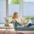 DUETTE® gardin i stue, modell BB24 med tekstilserien Elan 294077 farget blå.