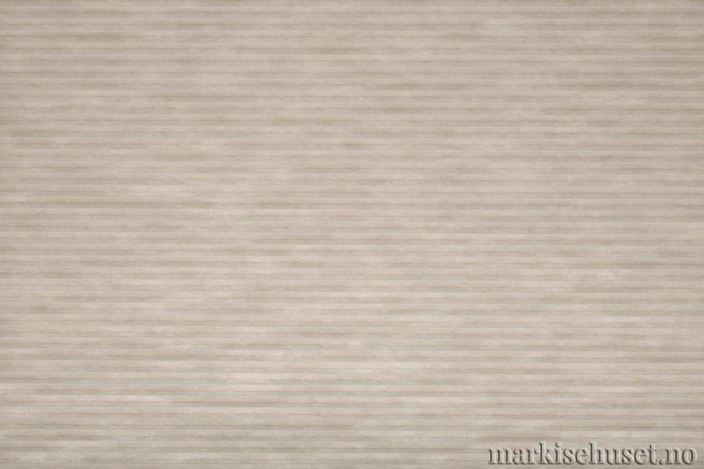 """Duette tekstil i serien Duotone 25mm. Farge: """"White"""". Bildet er tatt med lys bakfra."""