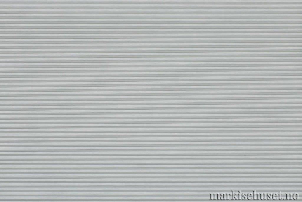 """Duette tekstil i serien Duotone 25mm. Farge: """"TeleGrey"""". Bildet er tatt med lys forfra."""