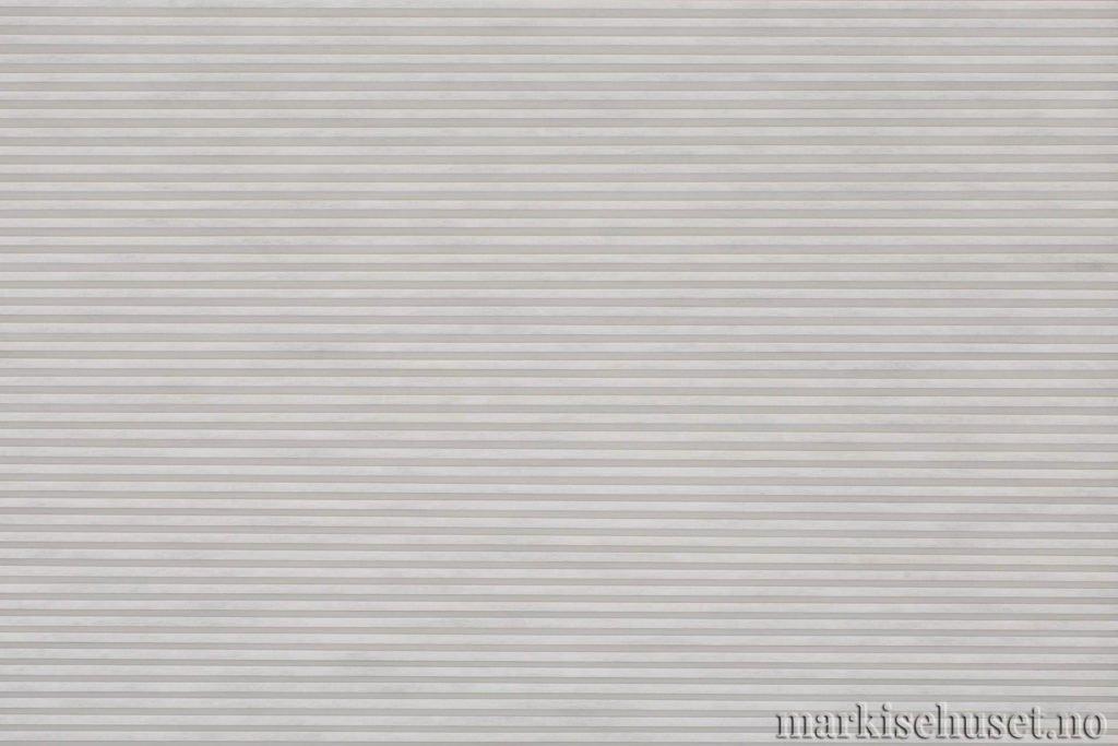 """Duette tekstil i serien Duotone 25mm. Farge: """"SilverDove"""". Bildet er tatt med lys forfra."""