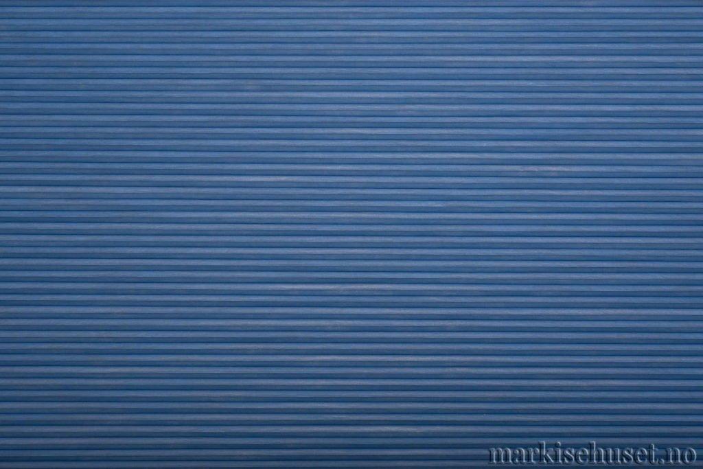 """Duette tekstil i serien Duotone 25mm. Farge: """"Cote d'Azur"""". Bildet er tatt med lys forfra."""