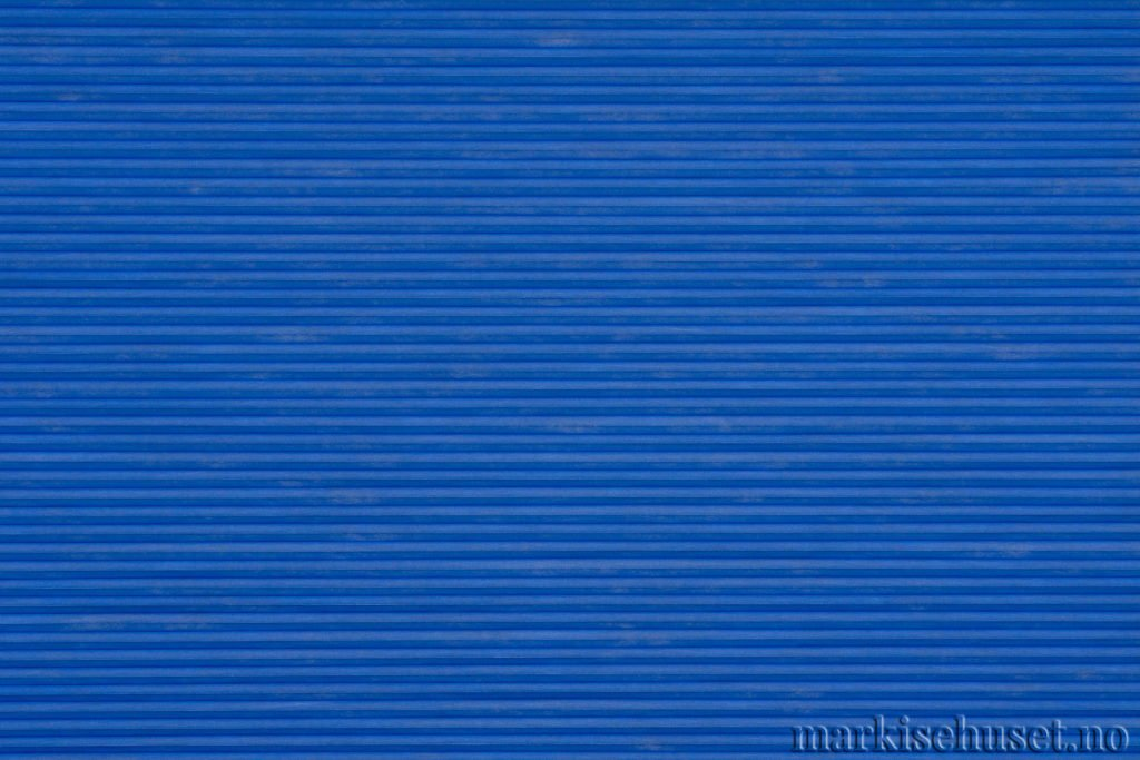"""Duette tekstil i serien Duotone 25mm. Farge: """"Jeans"""". Bildet er tatt med lys forfra."""