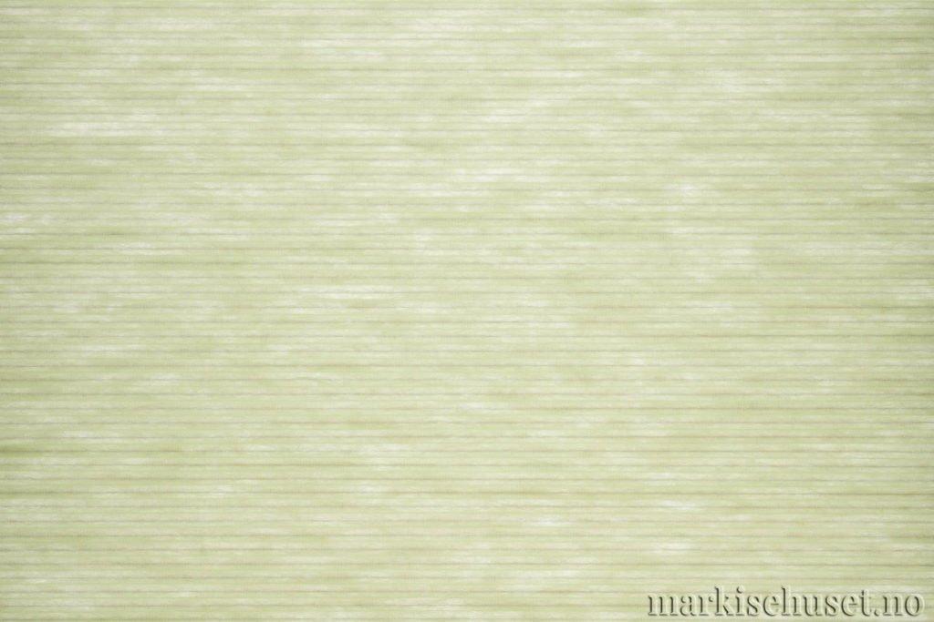 """Duette tekstil i serien Duotone 25mm. Farge: """"GreenOlive"""". Bildet er tatt med lys bakfra."""