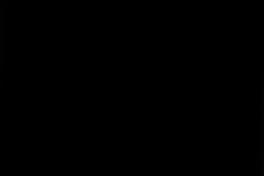 Rullegardin serien Blackout FR XL 244504-4999-5, bildet er tatt med lys bakfra.