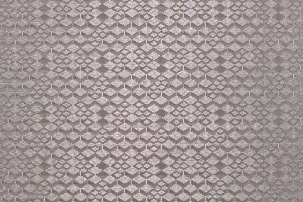 Rullegardin serien Brodie Rhytm 243158-1500-6, bildet er tatt med lys forfra.