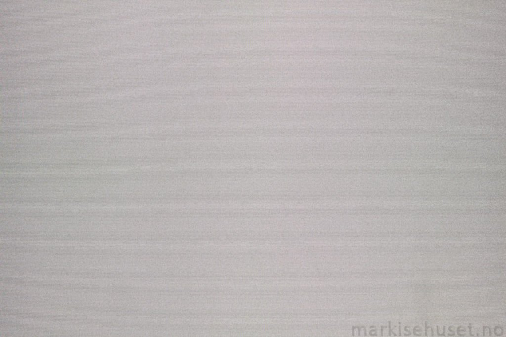 Rullegardin serien Greenscreen ECO Chrome FR 3% 244565-1300-5, bildet er tatt med lys bakfra.