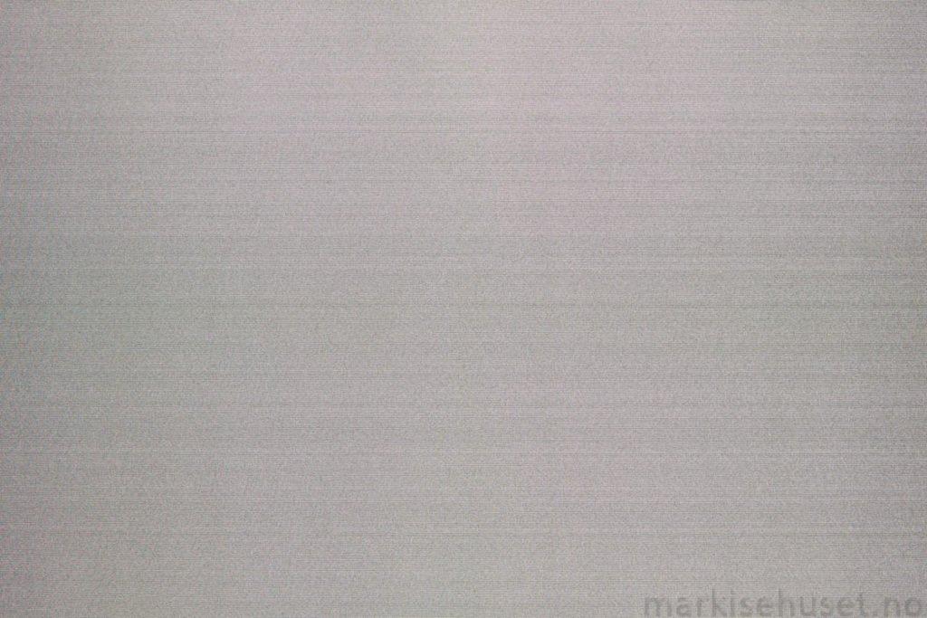 Rullegardin serien Greenscreen ECO Chrome FR 3% 244565-1500-5, bildet er tatt med lys bakfra.
