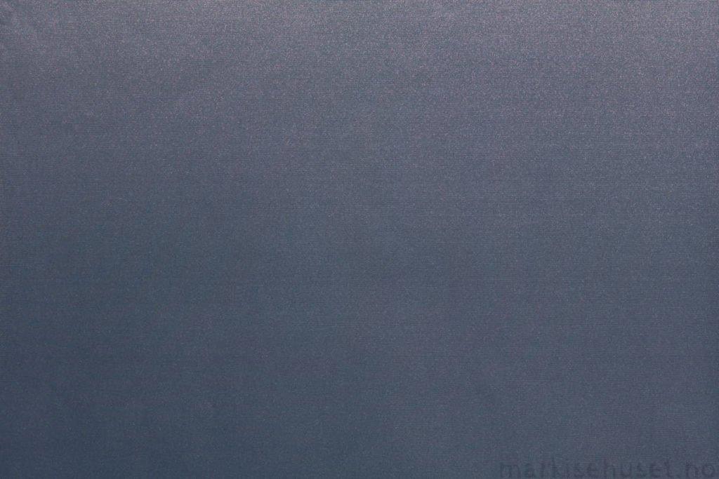Rullegardin serien Greenscreen ECO Chrome FR 3% 244565-2780-5, bildet er tatt med lys forfra.
