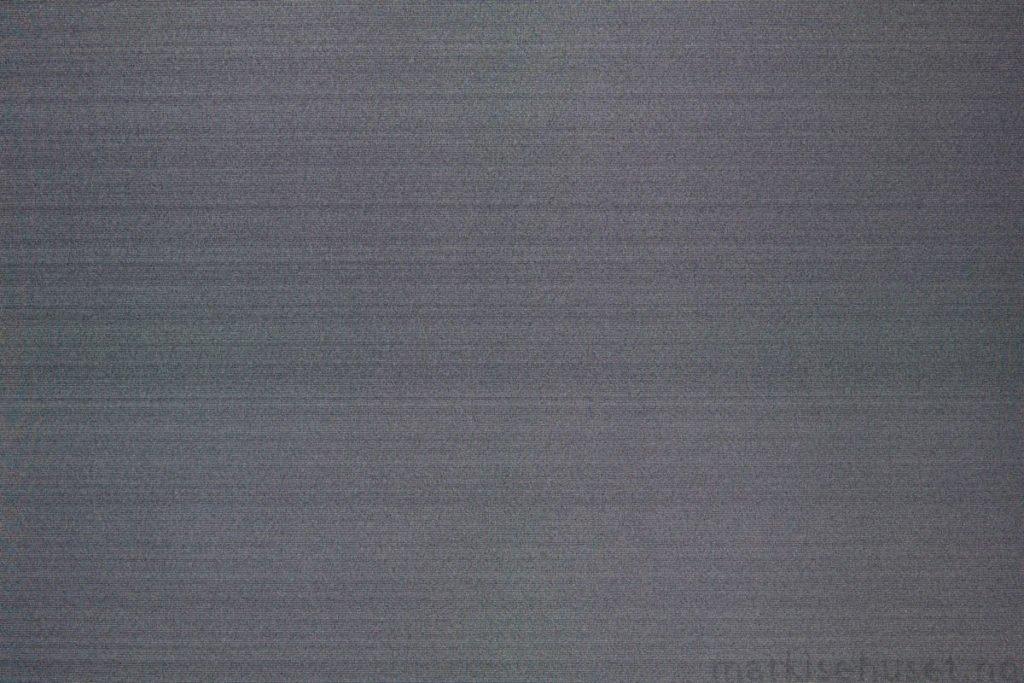 Rullegardin serien Greenscreen ECO Chrome FR 3% 244565-2780-5, bildet er tatt med lys bakfra.