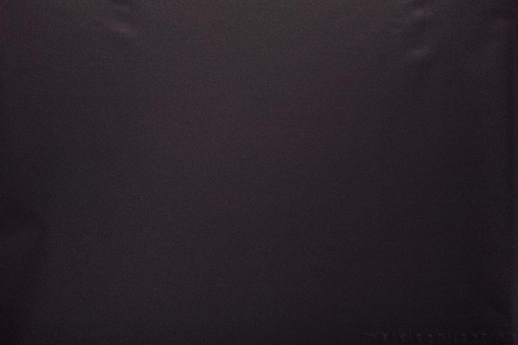 Rullegardin serien Greenscreen ECO FR 8% 244524-1887-4, bildet er tatt med lys forfra.