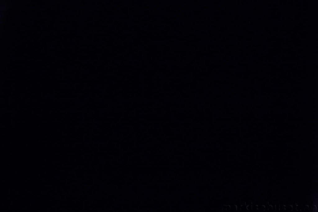 Rullegardin serien Lumina 244350-2639-1, bildet er tatt med lys bakfra.